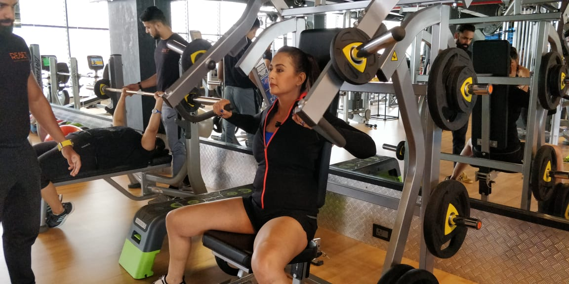 Fitness India Show: Inclined Chest Press and Glute Press with Preeti Jhangiani - The Fitness India Show