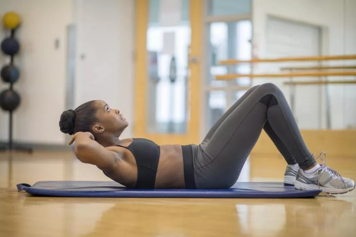 avoid neck pain during crunches