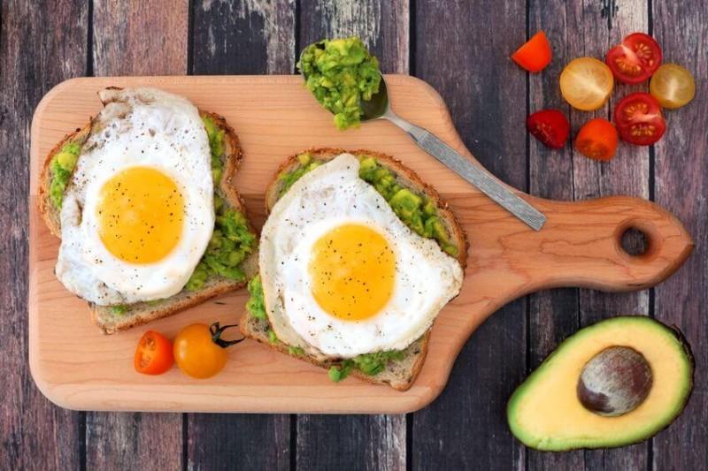 Whole Egg vs. Egg White: Which one's healthier?